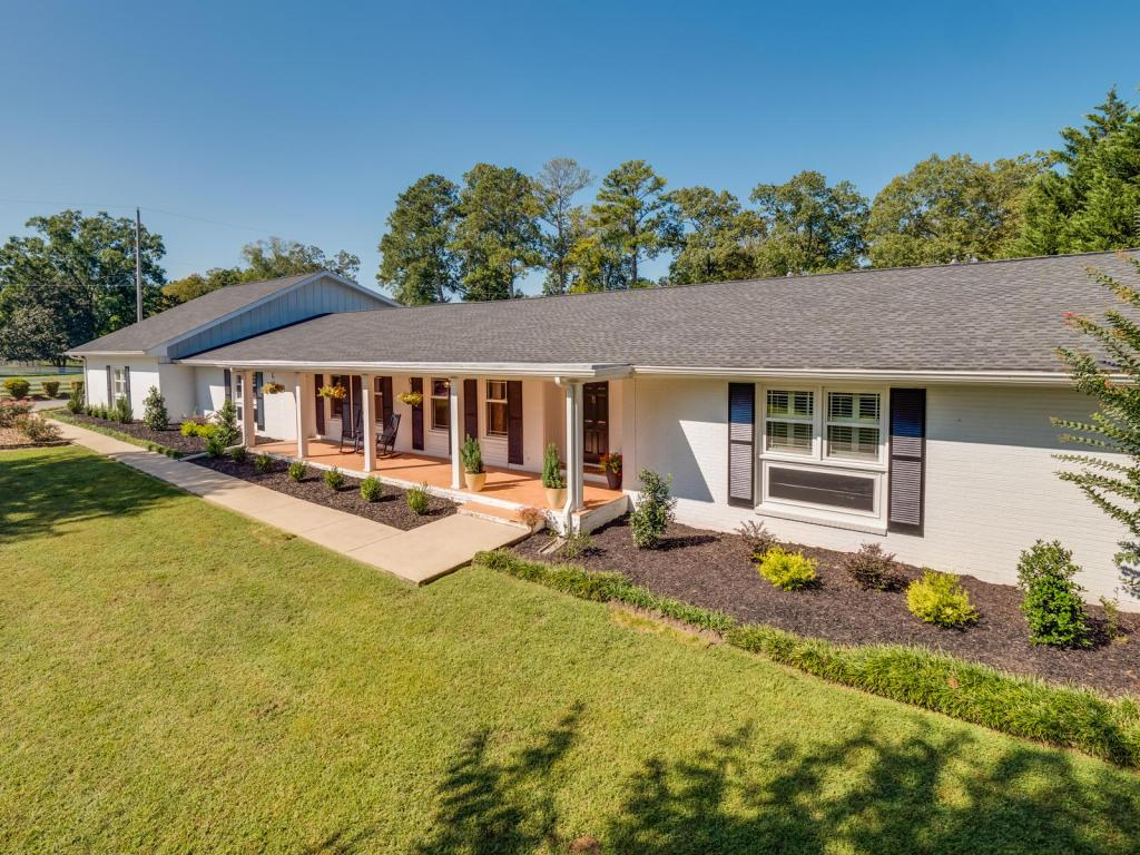 1715 gray rd chattanooga tn mls 1271007 better for Home builders in chattanooga tn