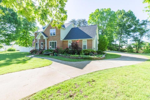 148 Willow Creek` Dr