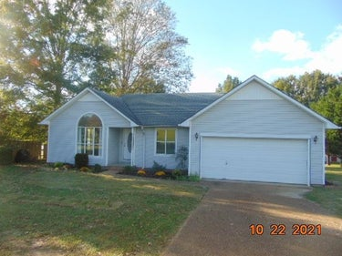 SFR located at 14535 Natchez Trace Road