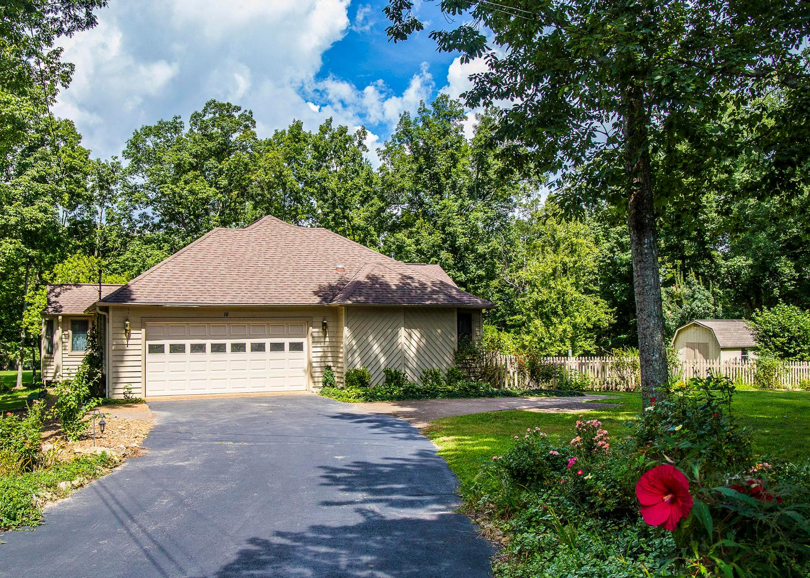 Terry McClellan of Better Homes and Gardens Real Estate Gwin Realty ...