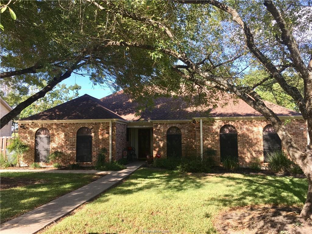2518 Arbor Dr Bryan Tx Mls 17014631 Better Homes