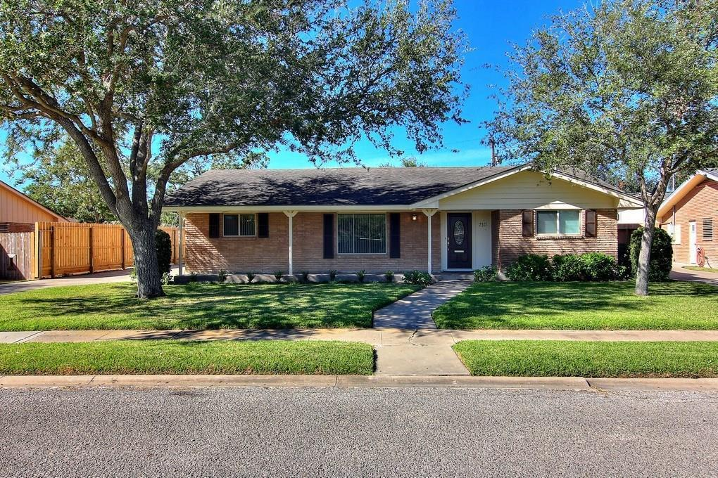 710 Philomena Dr Corpus Christi Tx Mls 320460 Better Homes And Gardens Real Estate