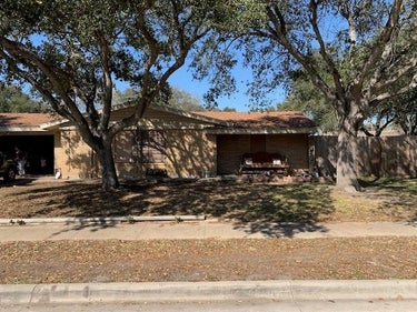 SFR located at 10662 Veda Drive