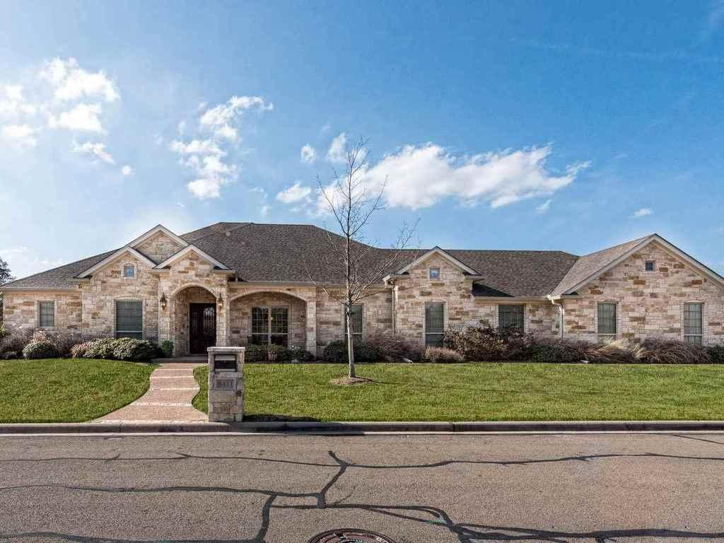 8421 jonquil waco tx mls 167211 era for Home builders waco tx