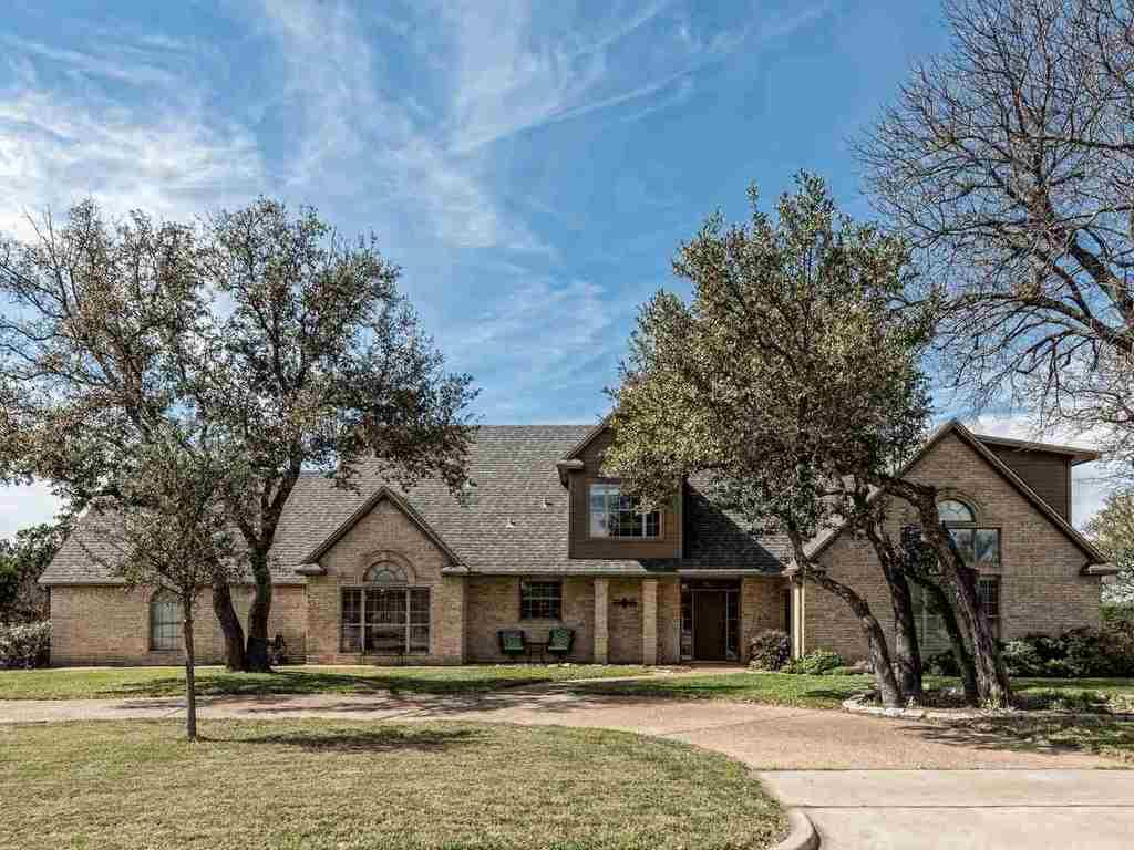 8401 jonquil waco tx mls 168815 century 21 real estate for Home builders waco tx