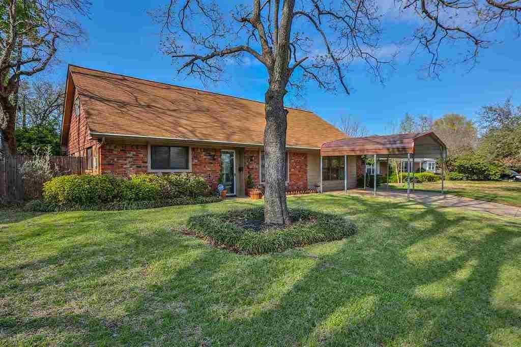 621 carlyle dr waco tx mls 168877 era for Waco home builders