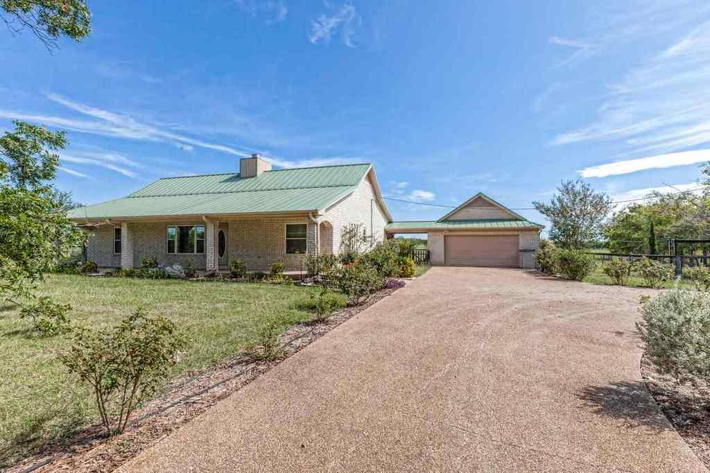 4224 old bethany rd mcgregor tx mls 172292 better homes and gardens real estate
