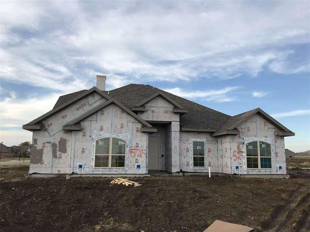 525 leaning way mcgregor tx mls 172937 better homes and gardens real estate