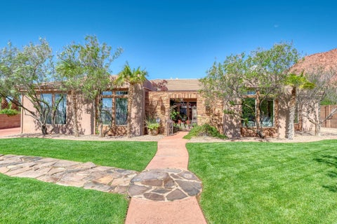 207 Painted Hills Dr