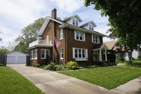 Local Real Estate Homes For Sale Kenosha Wi Coldwell Banker