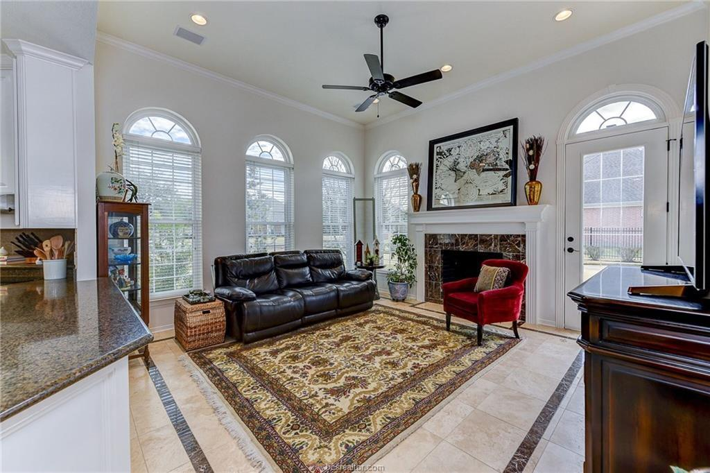 9204 Lake Forest Court N College Station Tx 77845 Image 11 Of