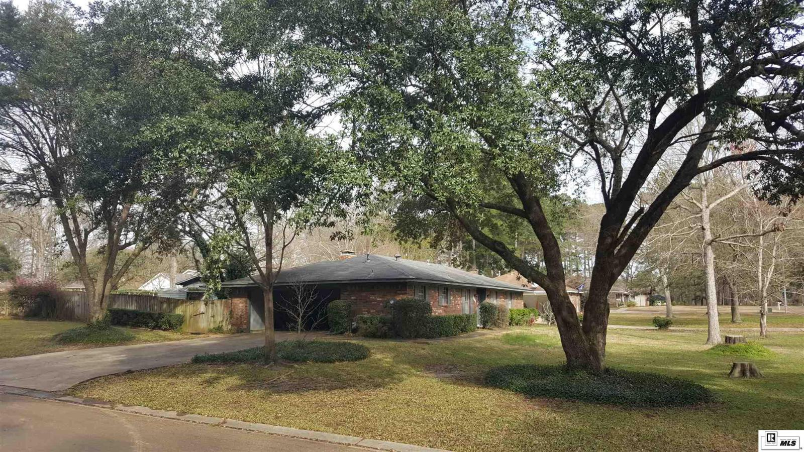 4a14019b1f ... 2301 Lily Drive, Ruston, LA 71270   Image #2 of 29 from carousel ...