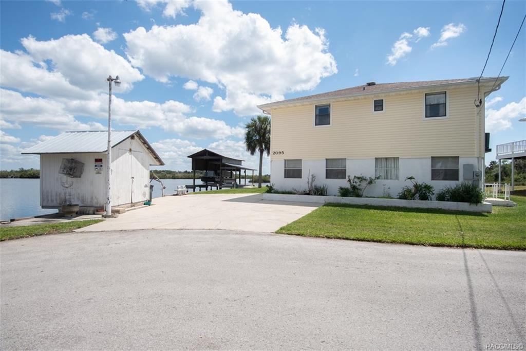 2095 S Schooner Dr, Crystal River, FL 34429 - MLS# 782161 - ZipRealty